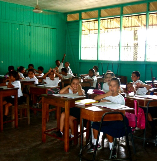 Kids in a classroom in Costa Rica